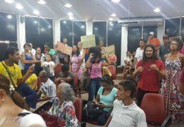 PORTO DO CAPIM: sob gritos de 'covardes', auxiliares da PMJP abandonam audiência pública – VEJA VÍDEO