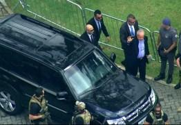 ESCOLTADO PELA POLICIA FEDERAL: ex-presidente Lula comparece ao velório do neto
