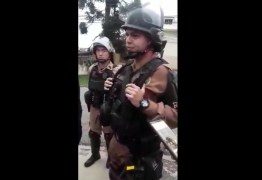 """PMs fortemente armados tentam impedir Vigília Lula Livre, e proibir o """"Boa Noite Lula"""" – VEJA VÍDEO"""