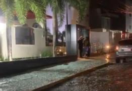 CAOS EM JOÃO PESSOA: vidraçaria quebrada, ruas alagadas, placas e árvores caídas; são resultados de forte chuva que atinge a capital – VEJA VÍDEOS
