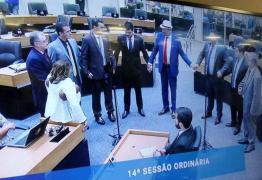 'AVE MARIA, CHEIA DE GRAÇA': Após acirramento, deputados fazem oração antes de iniciar sessão na ALPB