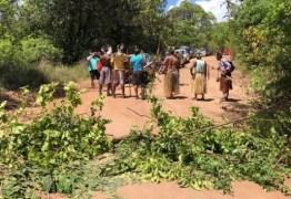 Indígenas protestam no município do Conde contra pedido de reintegração de posse