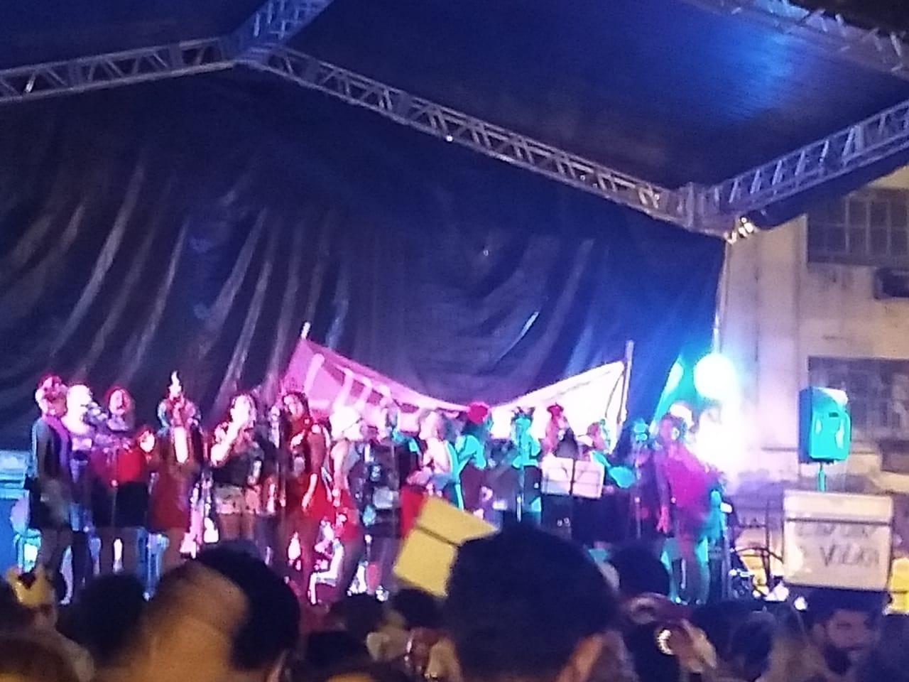 faixa lula livre ponto de cem réis raparigas de chico - MILITÂNCIA FOLIÃ: Bloco  de carnaval em João Pessoa tem gritos de Lula Livre - VEJA VÍDEO