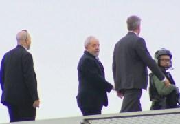Após duas horas Lula deixa velório do neto e retorna para carceragem da PF – VEJA VÍDEO
