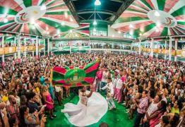 As histórias do 'país que não está no retrato' cantadas pelo samba da Mangueira – Por Júlia Dias Carneiro