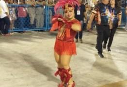 Princesa de bateria com síndrome de Down chama atenção no carnaval carioca