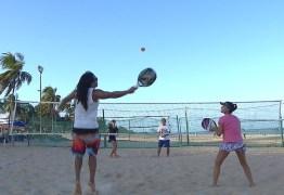 Circuito Paraibano de tênis de areia agita a orla de João Pessoa neste fim de semana