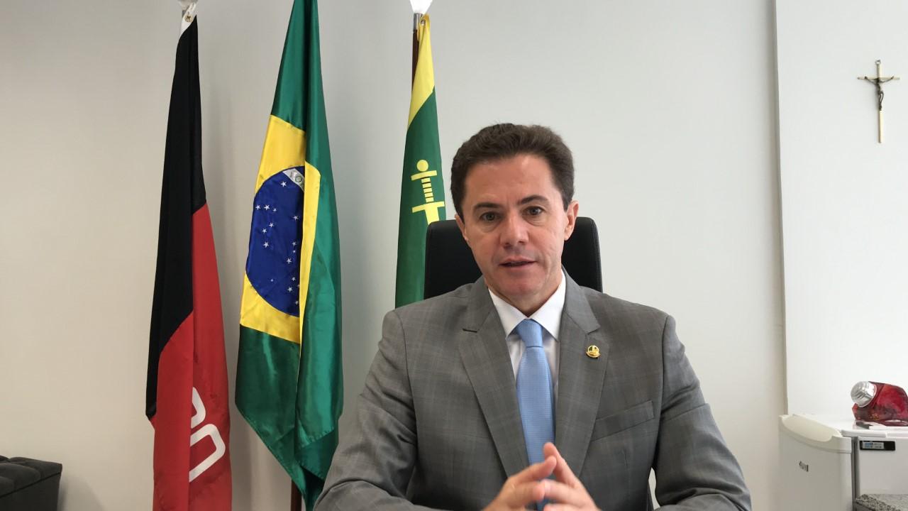 GABINETE DE VENEZIANO: Quem são e quanto ganham os assessores escolhidos pelo senador?