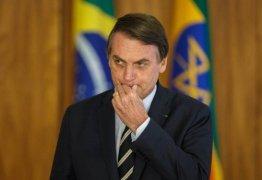 """Ataques de Bolsonaro a repórter busca """"desqualificar o trabalho jornalístico"""", dizem ANJ, Abert e Aner"""