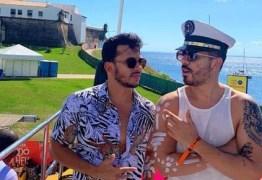 Carlinhos Maia revela já ter quebrado quatro celulares do noivo por ciúmes
