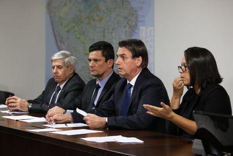 04042019 transmisso da live para as redes sociais 46623008875 o - META DOS 100 DIAS: Bolsonaro anuncia 13º do Bolsa Família na semana que vem