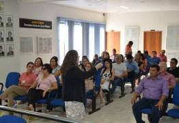 Auxiliares da administração municipal e comunidade participam do Orçamento Participativo em Cajazeiras