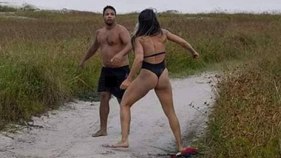 1554985995811 lutadora de mma abusador 300x169 - Suspeito de praticar ato obsceno em praia apanha de lutadora de MMA