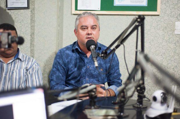 ALHANDRA: Prefeito anuncia conclusão de obras e entrega cartões do programa Mais Renda
