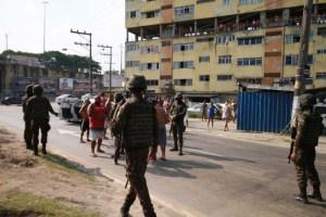 66f1d330 5a18 11e9 b62f b9d7eb6322dd 300x200 - Militares envolvidos na morte de músico são presos no Rio