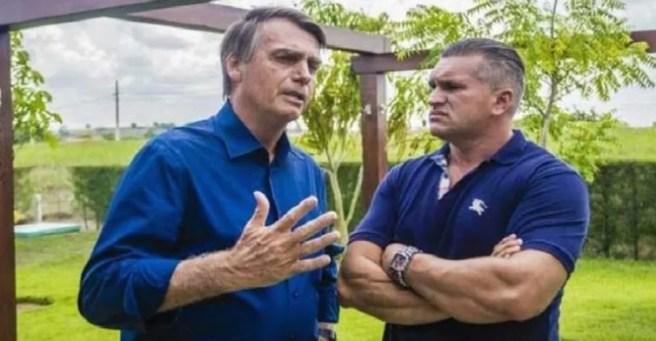 BOOLSO 300x156 - Bolsonaro pediu investigação de 'esquema de laranjas' que Julian teria participado