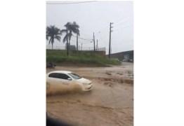 Acesso ao aeroporto Castro Pinto fica alagado após tarde chuvosa na grande João Pessoa – VEJA VÍDEO