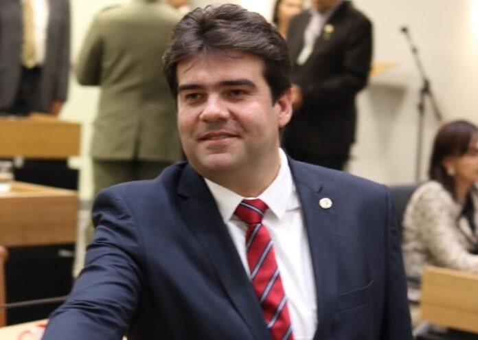 EDUARDO CARNEIRO 696x495 - Deputado estadual Eduardo Carneiro já cumpriu mais de 40% das propostas de campanha