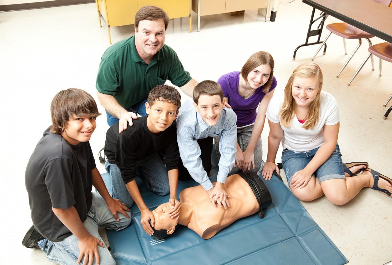 FOTO 1 - Lei obriga funcionários e professores a se capacitar em primeiros socorros
