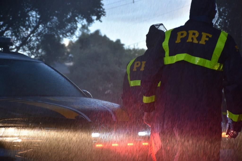PRF 1024x683 - AQUAPLANAGEM: PRF pede 'atenção redobrada' e faz alerta para riscos de capotamentos nas rodovias federais