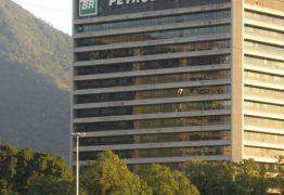 Bolsonaro determina que Petrobras desista de aumento do preço do diesel