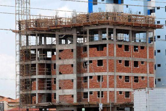 antonio cruz casa popular 300x201 - Custo da construção sobe 0,52%, revela IBGE