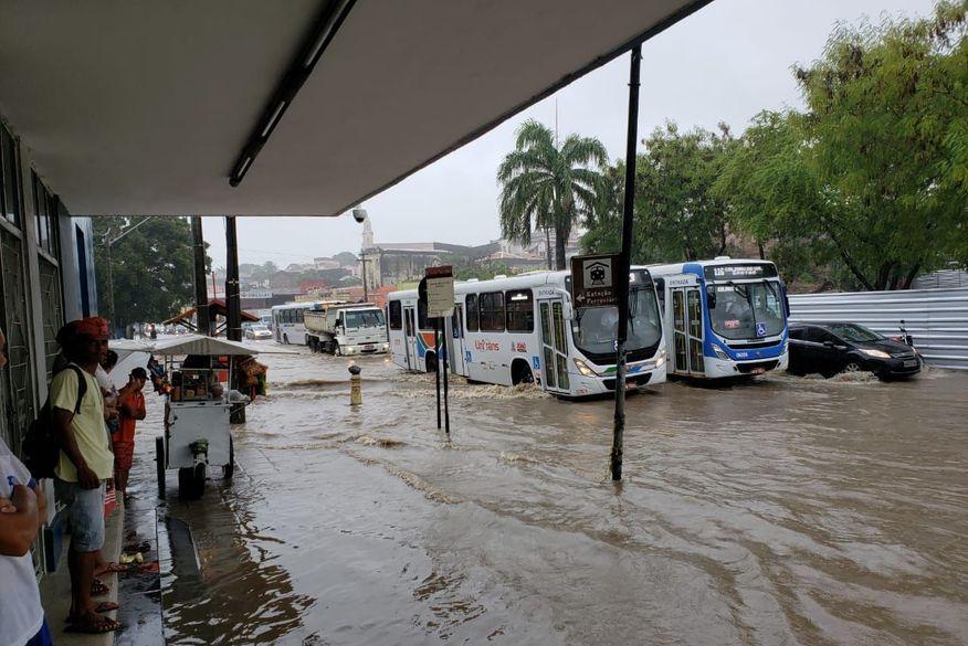 avenida sanhaua   centro jp   inundacao - FORTES CHUVAS: Inmet emite alerta para 84 cidades da Paraíba