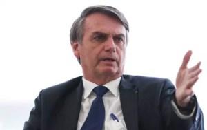 bolsonaroo 1 300x189 - Bolsonaro revê declaração sobre 'perdoar o holocausto'