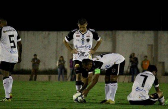 botafogo 567x369 - COM A MÃO NO TÍTULO: Botafogo vence partida contra o Campinense