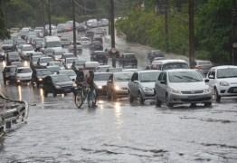 Alerta de chuvas intensas é emitido para 98 municípios da Paraíba, confira lista