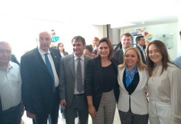 Primeira-dama Michelle Bolsonaro se reúne com Romero Rodrigues em Campina Grande