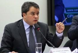 Efraim Filho defende redução de juros de bancos públicos para aquecer economia