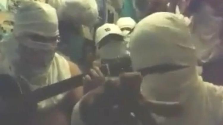 MORDAÇA: Colégio demite professor após vídeo com crítica a Bolsonaro viralizar