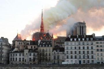 note drame - Notre-Dame: polícia acha bitucas em andaimes onde começou fogo