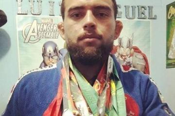 rodrigo monstro ex lutador do ufc 1555937307308 v2 450x450 - Lutador ex-UFC é atropelado e morre após briga com motorista de aplicativo