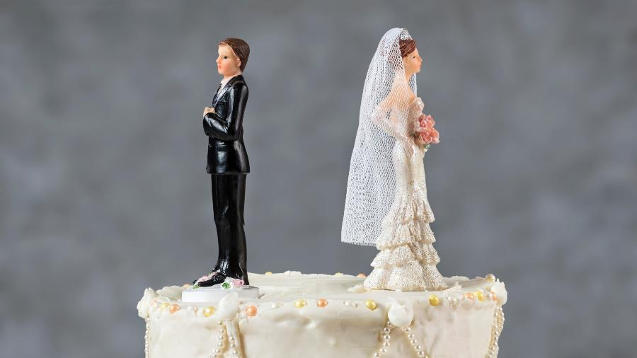 separacao divorcio termino casamento reconciliacao noivos bolo 1522948375923 v2 900x506 - Tribunal condena homem que admitiu traição a pagar R$ 33 mil à ex-noiva