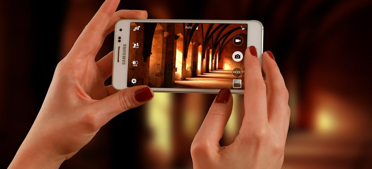 smartphone 623722 960 720 1200x545 c - Samsung lança o 1º celular com tecnologia 5G do mundo