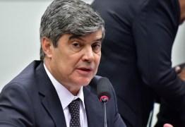 PORTE DE ARMA EM VOOS: Wellington Roberto repudia projeto de Eduardo Bolsonaro, 'sou absolutamente contra esse absurdo'