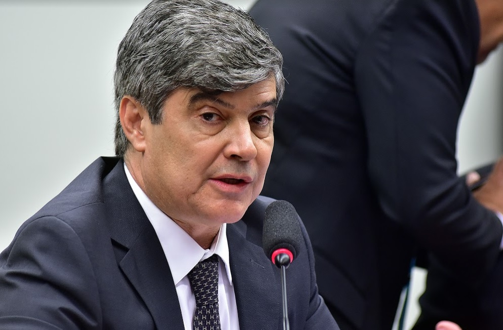 wellington - PORTE DE ARMA EM VOOS: Wellington Roberto repudia projeto de Eduardo Bolsonaro, 'sou absolutamente contra esse absurdo'