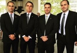 """""""Pestinhas"""", diz Globo ao criticar filhos do presidente Jair Bolsonaro"""
