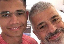 Lulu Santos e noivo celebram 1 ano juntos com declarações na web: 'Te amo para sempre'