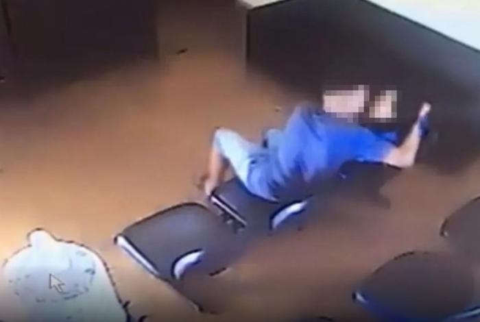 1 agressao 11127805 - Homem é preso ao agredir ex-companheira dentro de Delegacia da Mulher - VEJA VÍDEO