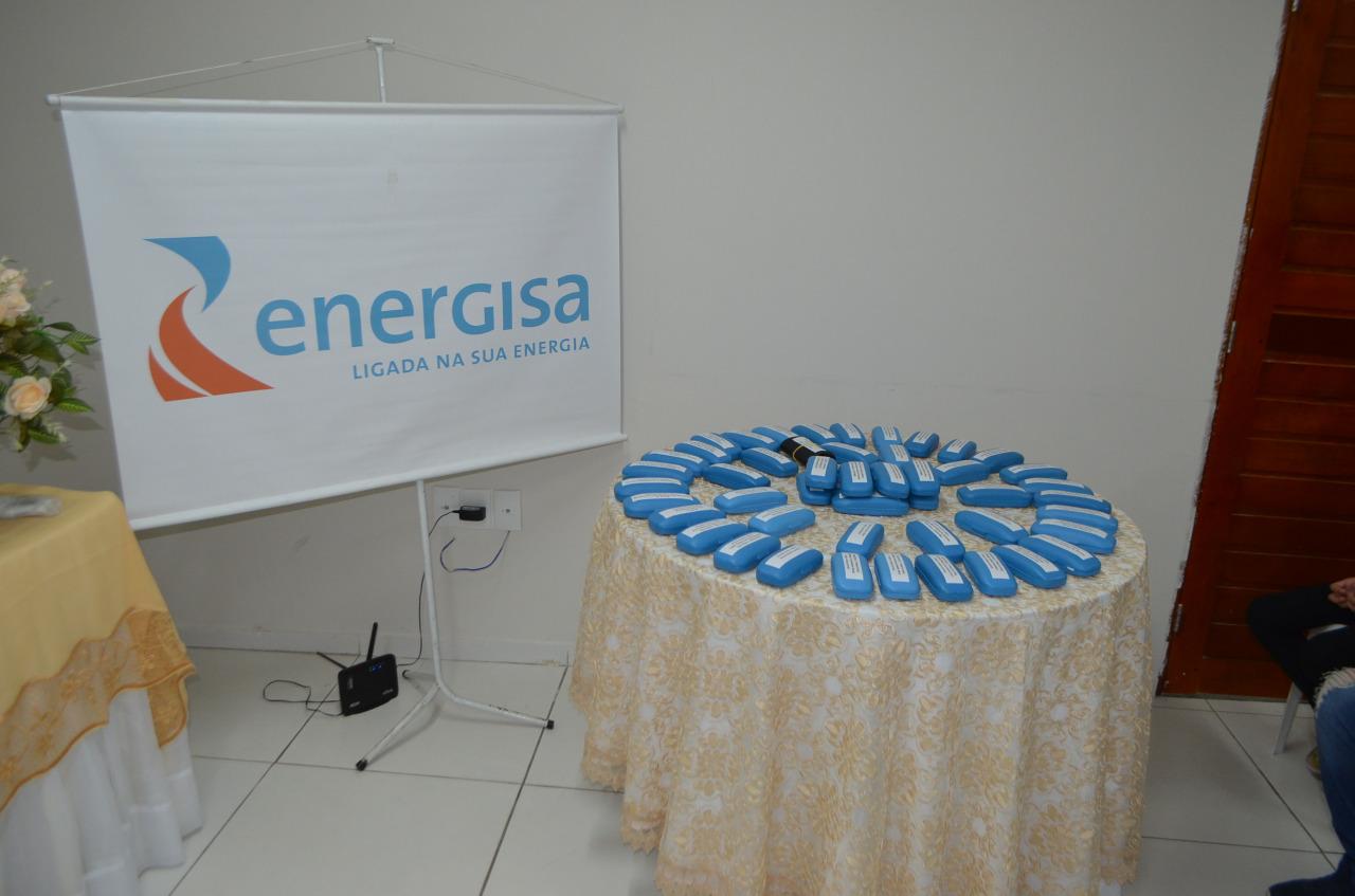 270a2862 4e8d 441c 9637 521d9e2d1843 - Prefeitura de Cajazeiras e Energisa entregam 253 óculos a alunos contemplados pelo projeto Caravana da Visão