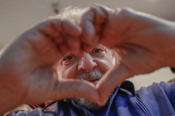 4dcdb4c25169ff6b6d859b426504ca91 - AMOR NO AR: Lula está namorando e tem planos de casar, revela colunista