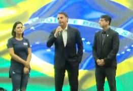 Bolsonaro diz que manifestação é 'recado àqueles que teimam com velhas práticas'