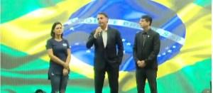 BOLSONARO ATITUDE 300x131 - Bolsonaro diz que manifestação é 'recado àqueles que teimam com velhas práticas'