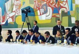 Parlamentares paraibanos participam de café da manhã com Bolsonaro