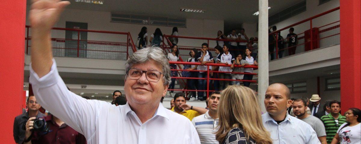 João Azevedo 2 1200x480 - João Azevêdo participa do encerramento do Orçamento Democrático Estadual 2019 em João Pessoa