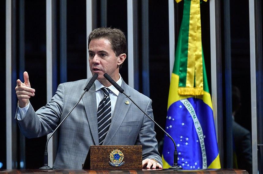 VENEZIANO DECRETO ARMAS - 'ISSO É UMA CARNIFICINA': Veneziano Vital articula derrubada do porte de armas decretado por Bolsonaro