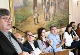 """'NÃO TEM RACHA': Governador faz reunião com PSB para """"definir rumos do partido"""""""